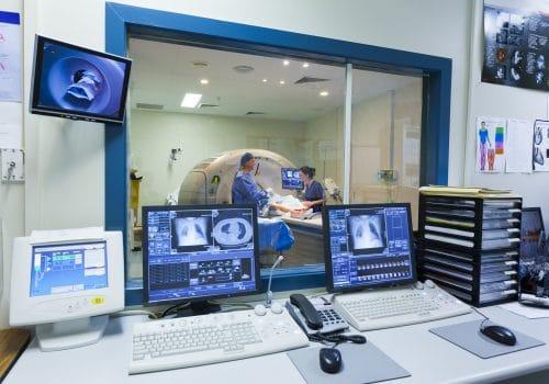 Systèmes d'imagerie médicale nécessitant un réseau avec beaucoup de bande passante